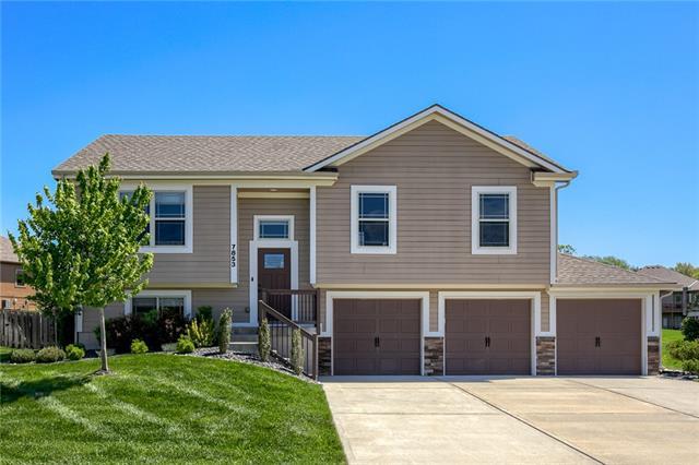 7853 N Walrond Avenue Property Photo - Kansas City, MO real estate listing