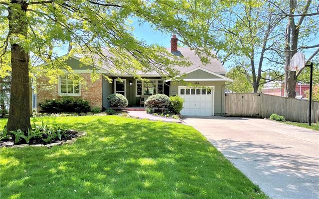 2625 W 51st Terrace Property Photo - Westwood, KS real estate listing