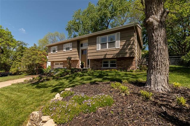 2414 Harvard Road Property Photo - Lawrence, KS real estate listing