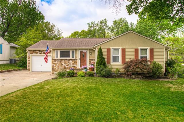 7716 Briar Street Property Photo - Prairie Village, KS real estate listing