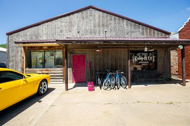 109 E Franklin Street Property Photo - Pomona, KS real estate listing