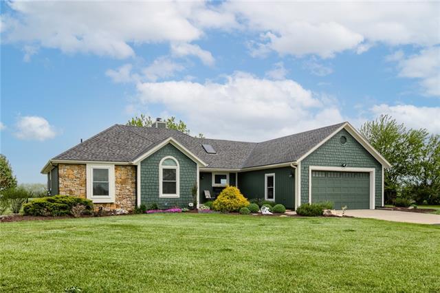 21175 MOONLIGHT Road Property Photo - Gardner, KS real estate listing