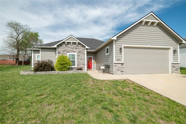 701 Flame Way Property Photo - Baldwin City, KS real estate listing