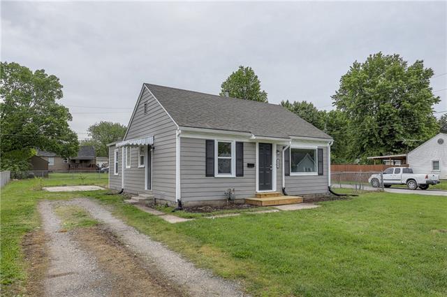 636 S Cherry Street Property Photo - Olathe, KS real estate listing