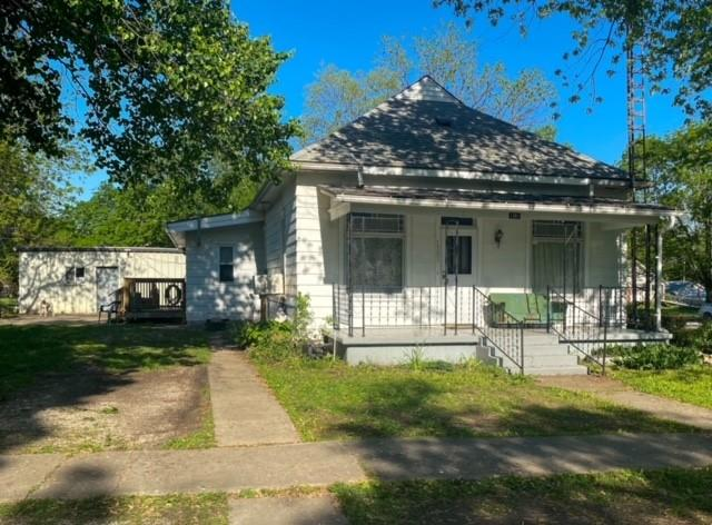 1301 Prospect Street Property Photo - Pleasanton, KS real estate listing