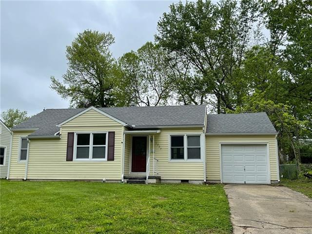 1027 Anderson Street Property Photo - Warrensburg, MO real estate listing