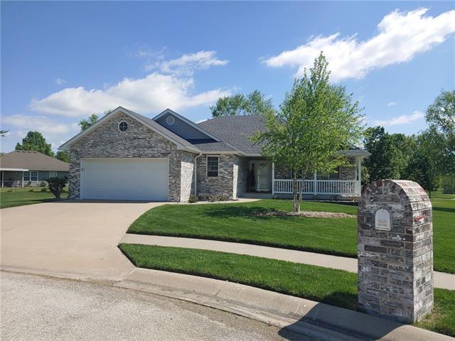 1705 E KT Circle Property Photo - Clinton, MO real estate listing