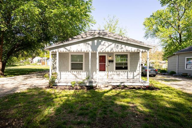 721 N Oak Street Property Photo - Ottawa, KS real estate listing