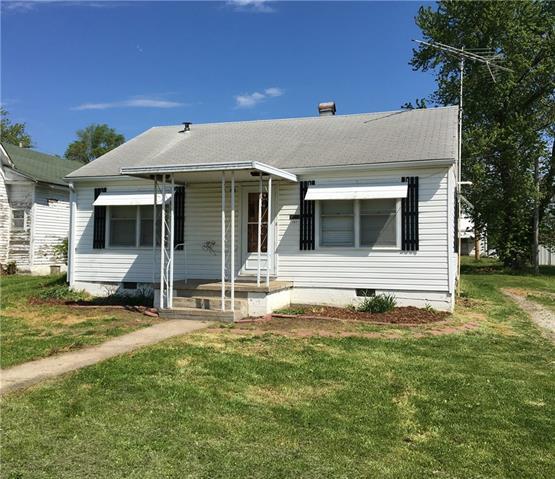 307 W Mill Street Property Photo - Gallatin, MO real estate listing