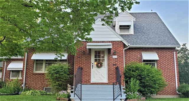 205 W Johnson Street Property Photo - Gallatin, MO real estate listing