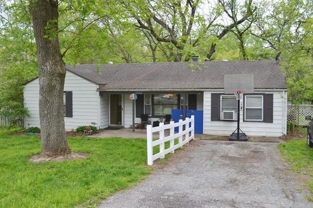 5642 N Amoret Avenue Property Photo - Kansas City, MO real estate listing