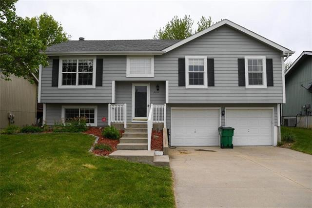 2104 Catie Lane Property Photo - Platte City, MO real estate listing