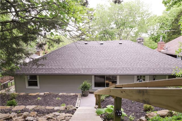 507 Lake Of The Forest Drive Property Photo - Bonner Springs, KS real estate listing
