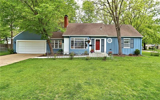 8643 Hiawatha Road Property Photo - Kansas City, MO real estate listing