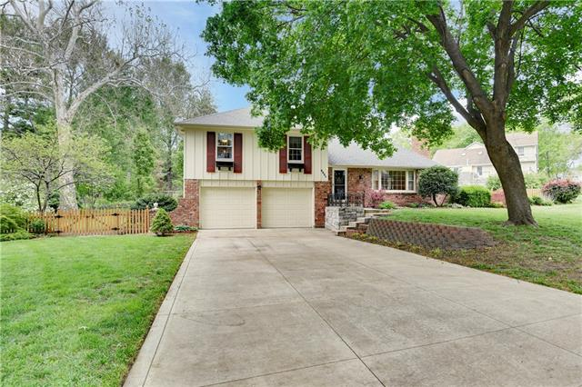 6021 Garnett Street Property Photo - Shawnee, KS real estate listing