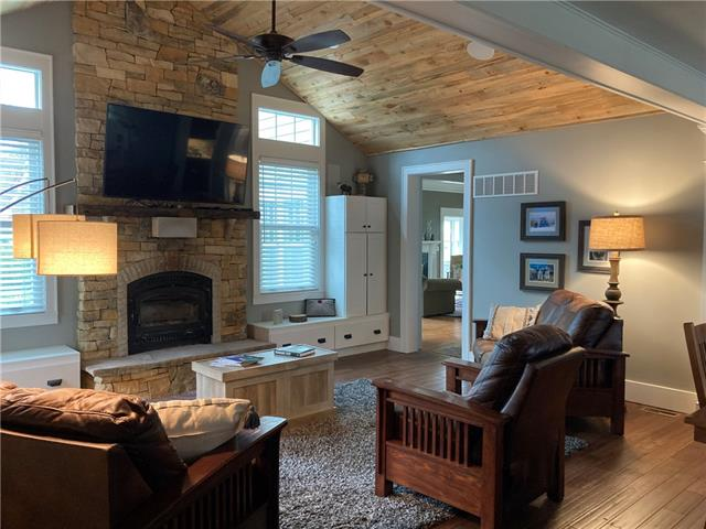 66967 Real Estate Listings Main Image