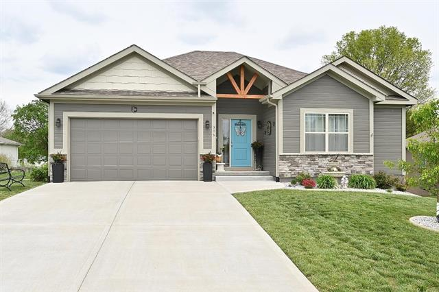 306 Fairview Circle Property Photo - Platte City, MO real estate listing