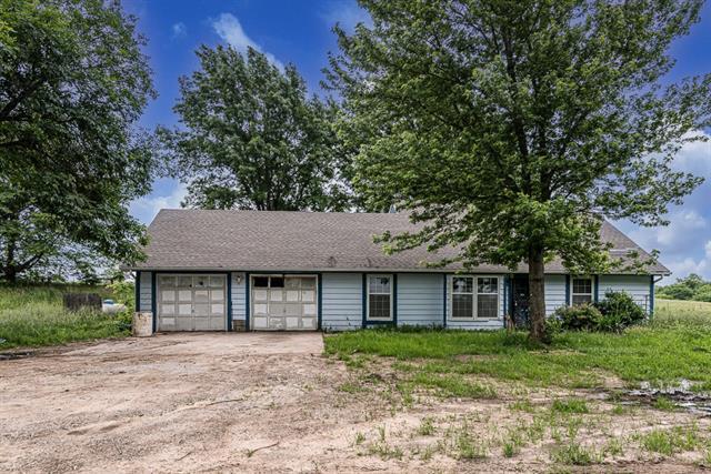 1044 E 1700 Road Property Photo