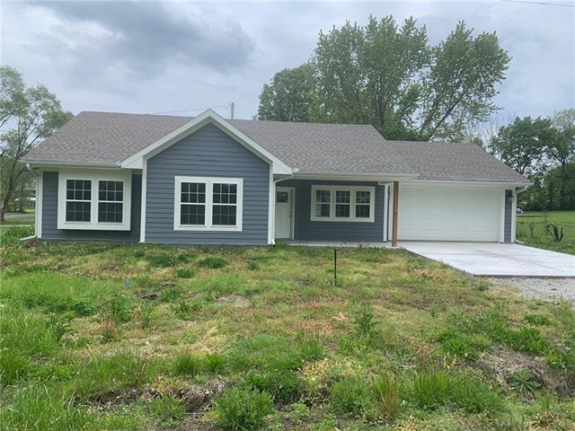 301 Plattsburg Street Property Photo - Lathrop, MO real estate listing