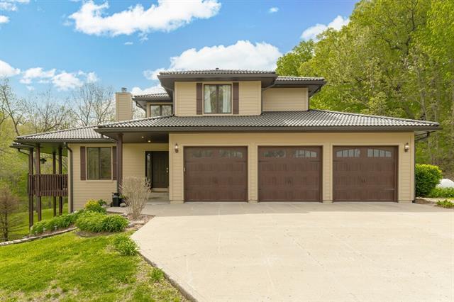 8221 S Hillside School Road Property Photo - Oak Grove, MO real estate listing