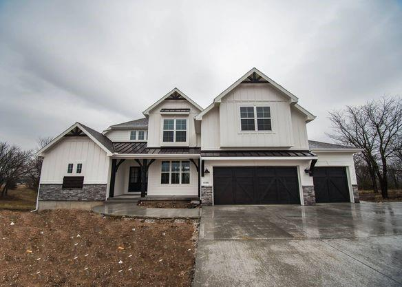 7919 NE 102nd Street Property Photo - Kansas City, MO real estate listing
