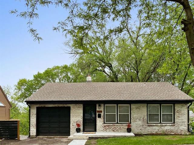 4018 W 47th Terrace Property Photo - Roeland Park, KS real estate listing
