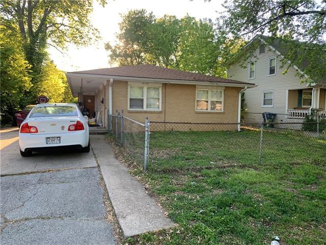 S 1528 Cedar Avenue Property Photo