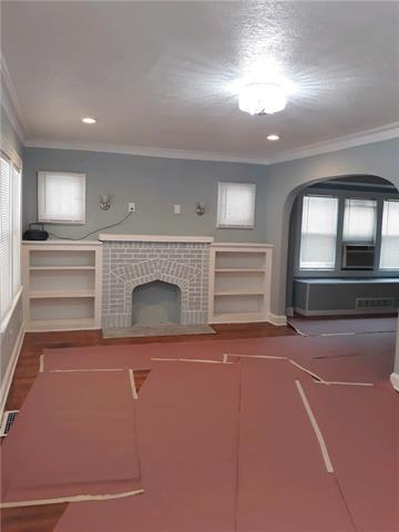 5105 Garfield Avenue Property Photo