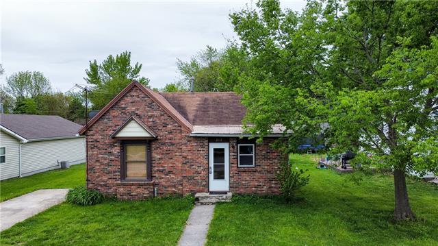 212 E Pine Street Property Photo - Drexel, MO real estate listing