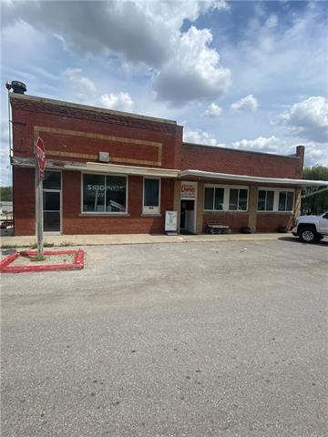 103 Walnut Street S Property Photo - Skidmore, MO real estate listing