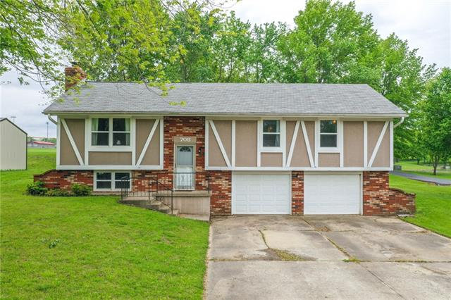 708 W McDowell Avenue Property Photo - Odessa, MO real estate listing