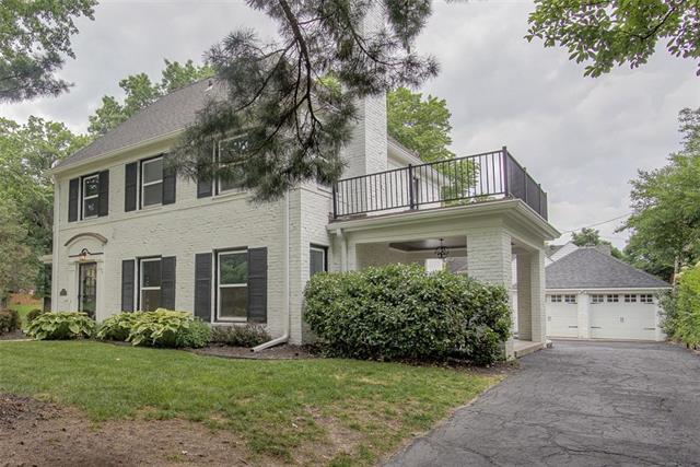 7051 Ward Parkway Property Photo