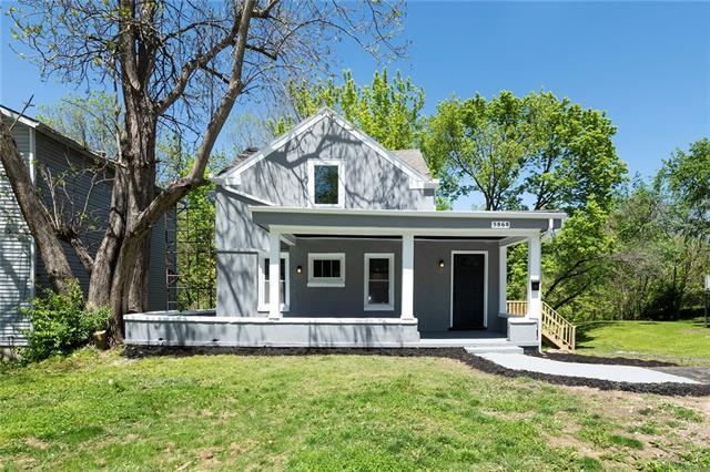 3868 E 59th Street Property Photo