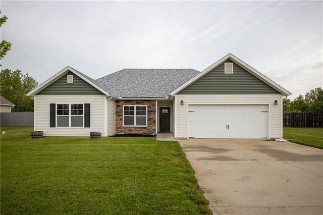 388 SE 971 Road Property Photo - Knob Noster, MO real estate listing