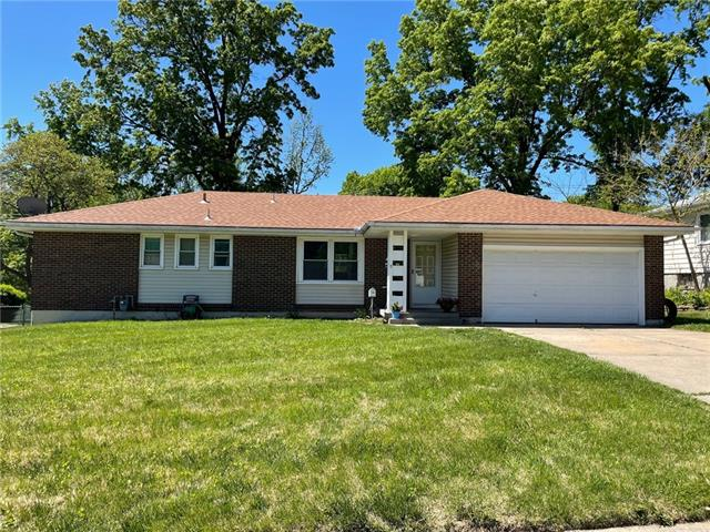 16717 E Cogan Drive Property Photo - Independence, MO real estate listing
