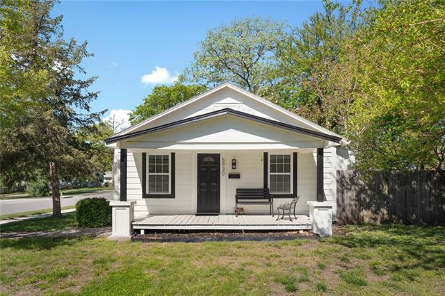 5930 BARTON Drive Property Photo - Shawnee, KS real estate listing