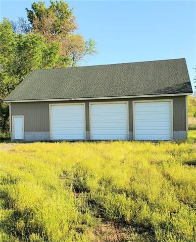 1600 Road Property Photo - Pleasanton, KS real estate listing
