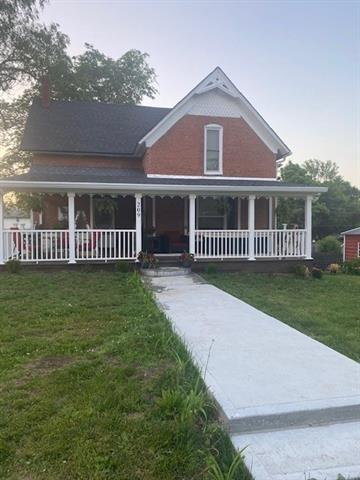 209 W Cherry Street Property Photo