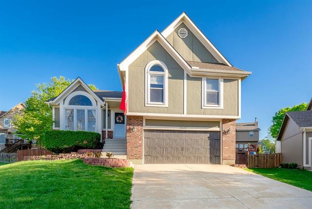 21625 W 53RD Terrace Property Photo - Shawnee, KS real estate listing