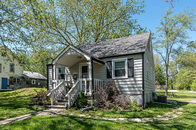 210 E Gertrude Street Property Photo
