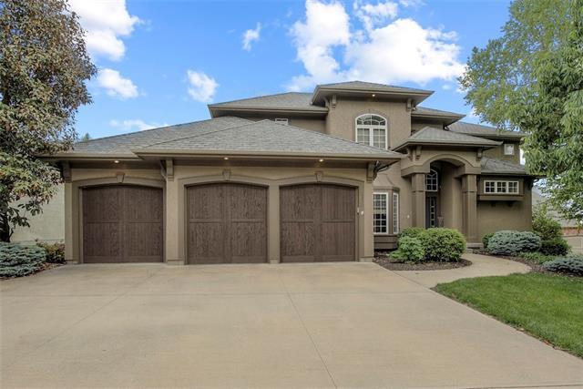 2320 Ne Lake Breeze Lane Property Photo 1