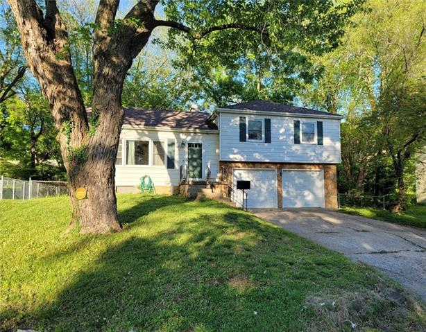 10717 Mersington Avenue Property Photo