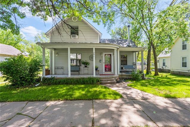 741 S Oak Street Property Photo - Ottawa, KS real estate listing