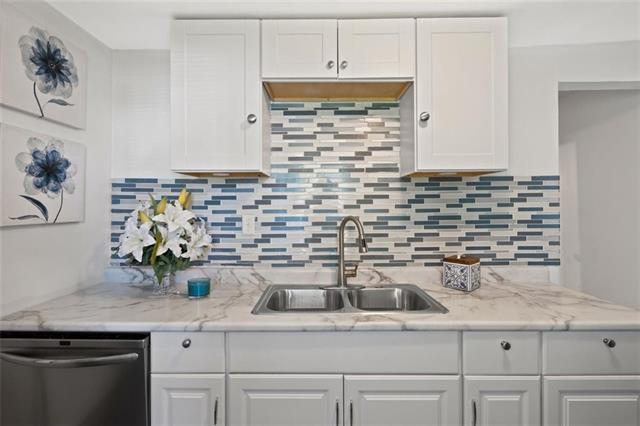 904 Lafayette Avenue Property Photo 1