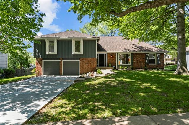 5105 NW Coves Drive Property Photo - Kansas City, MO real estate listing