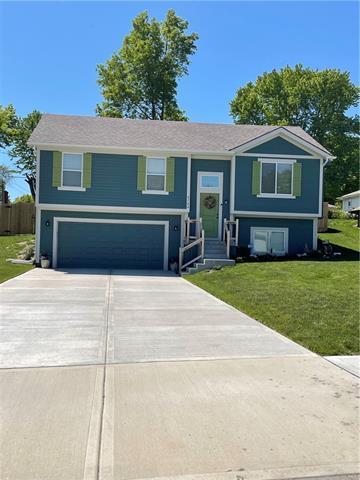 8724 W Longview Parkway Property Photo - Kansas City, MO real estate listing