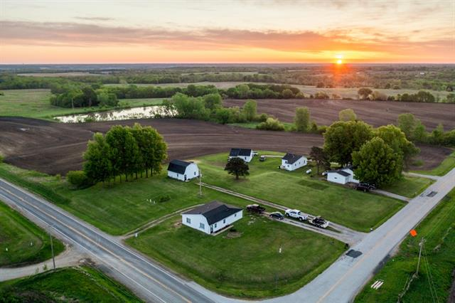 19004 DD Highway Property Photo - Pattonsburg, MO real estate listing