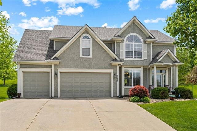 7303 NE 84th Court Property Photo - Kansas City, MO real estate listing
