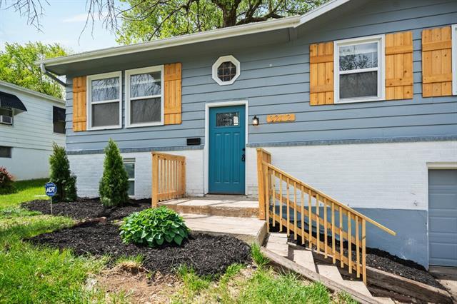 3212 Elmwood Avenue Property Photo