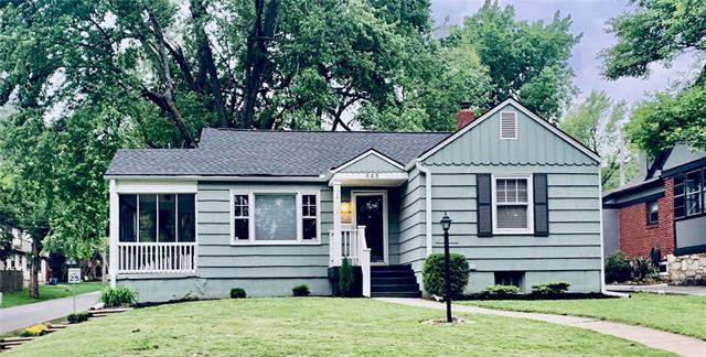 445 E 70TH Street Property Photo - Kansas City, MO real estate listing